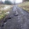 雪解けのぬかるんだ泥道